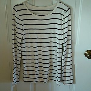 Women's Size M Soft Top, A New Day Brand